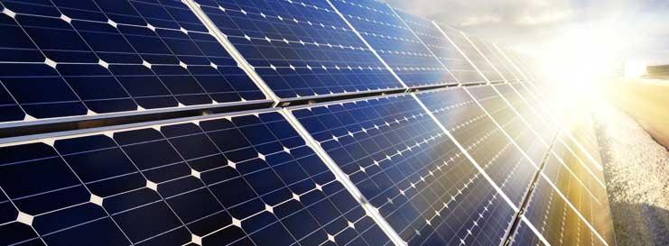 Limpieza de placas solares para incremento de producción de energía