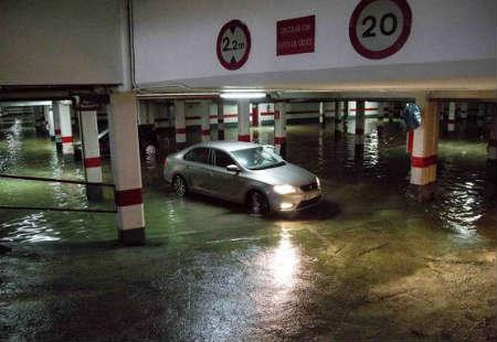 limpiar garaje inundado