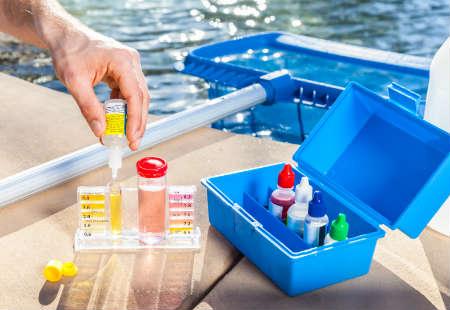 Limpieza de piscinas para el verano 2016 for Limpieza de piscinas