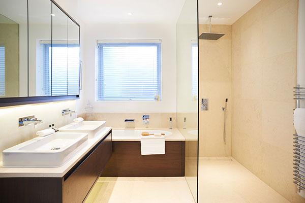 limpieza de baños en residencia de ancianos