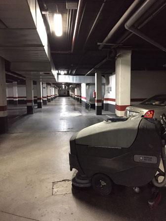 fregadora para limpieza de garajes