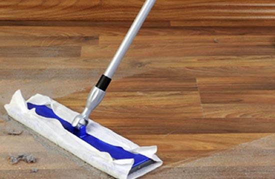 limpieza de suelos con mopa