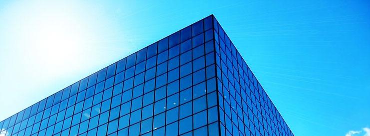 Limpieza de fachadas de cristal en Madrid
