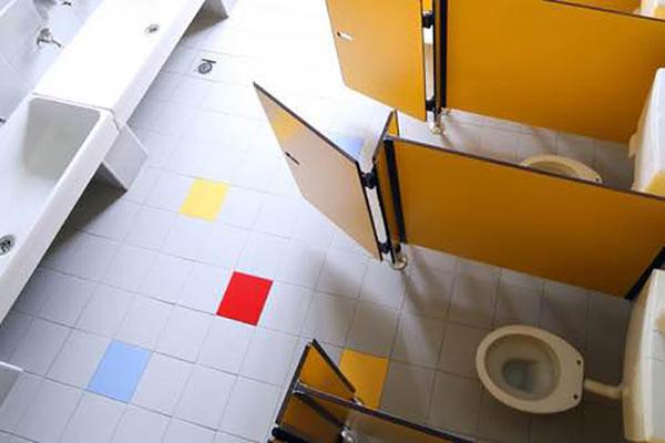 limpieza-de-banos-de-colegio