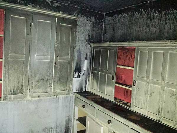 casa depués de un incendio