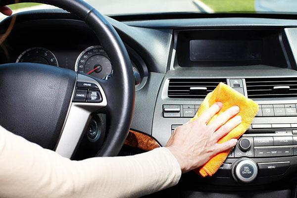 Como limpiar el interior de un coche