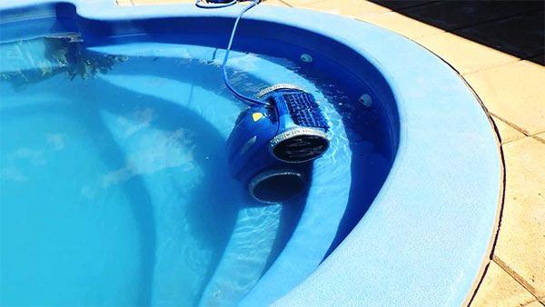 mantenimiento y limpieza de piscinas comunitarias