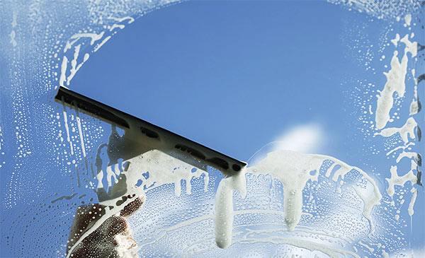 limpiar cristales con agua y vinagre