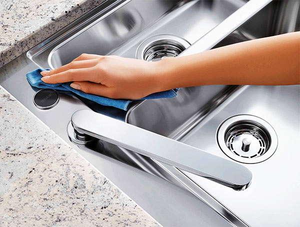 limpiar fregadero de acero inoxidable