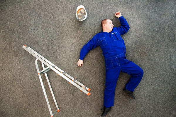 accidentes de trabajo con escalera