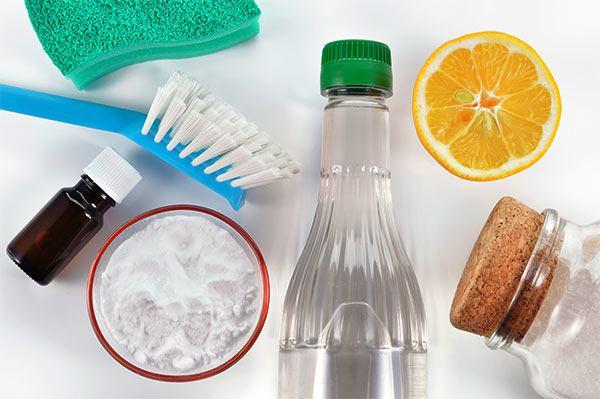 eliminar las manchas marrones del wc con limón y vinagre blanco