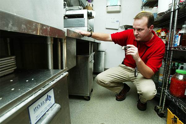 como es la inspección de sanidad en un bar o restaurante