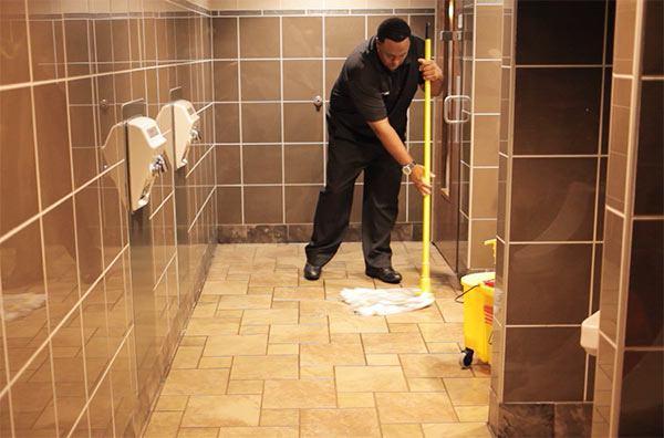 limpieza suelos sanitarios