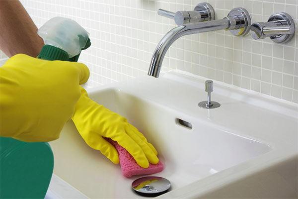 limpieza de baños y sanitarios