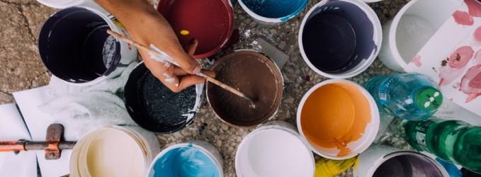 Los mejores consejos para quitar restos de pintura después de una reforma