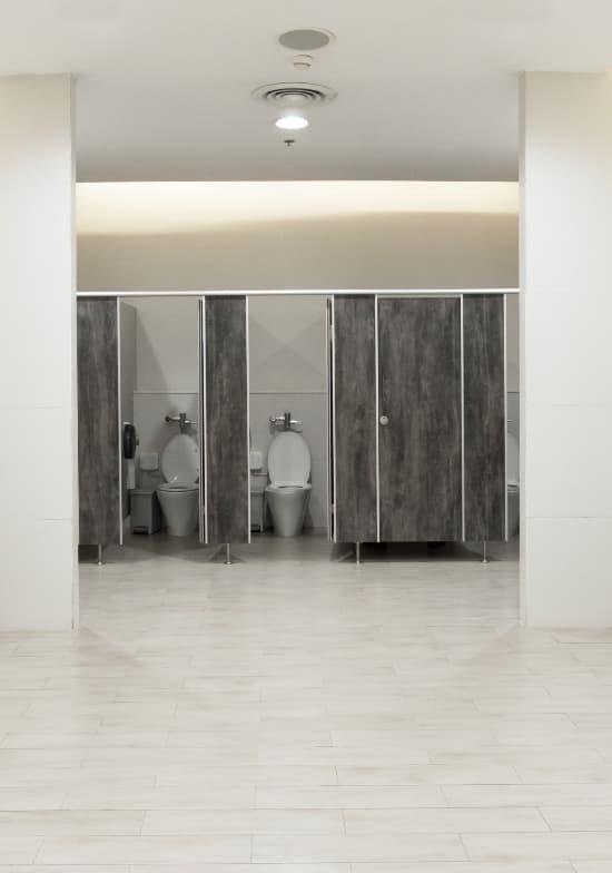 Eliminacion de olores en baños públicos