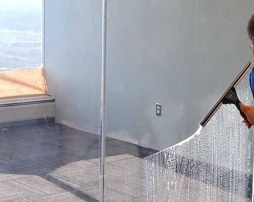 limpieza de cristales de oficinas en Madrid