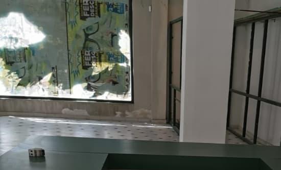 Servicio prestado por Geindepo en la limpieza de un local comercial, foto antes de la limpieza del local