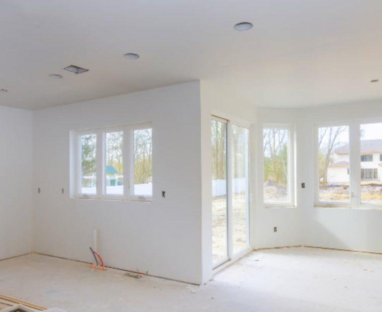 Limpieza al fina de la reforma de una casa