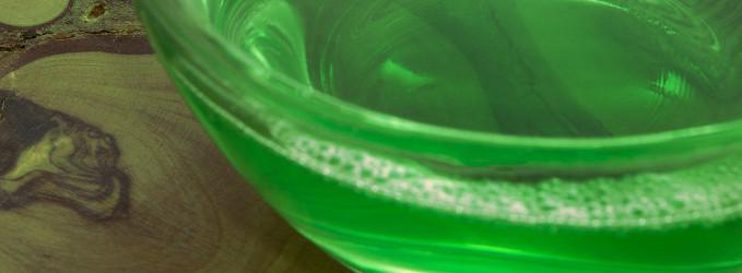 limpiador enzimático en un bol