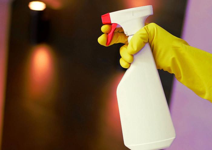 Limpiador enzimático en spray