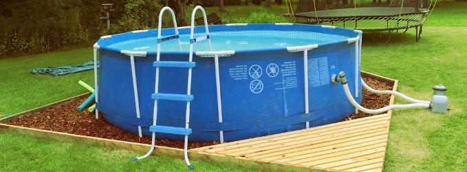 Cómo limpiar una piscina desmontable o de plástico para guardar